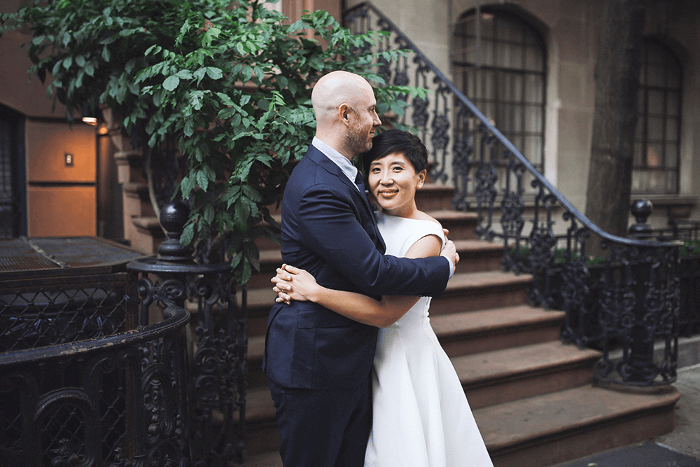 bride and groom pictures in the streets of new york